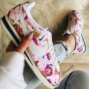 NWT Nike Cortez LX Floral